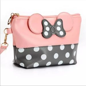 NEW Minnie Mouse Makeup Bag. Pink and Gray